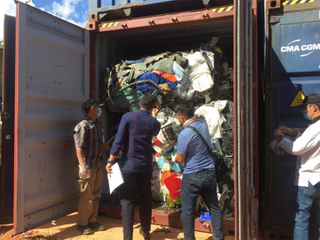 49 Shipping Containers To Be Returned To The US, Australia And Europe From Indonesia.jpg